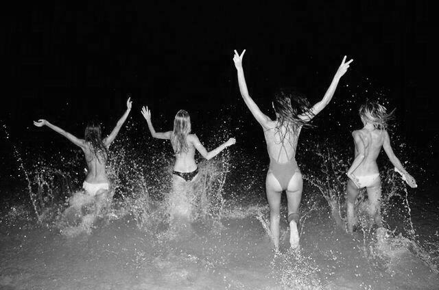 ✔ Midnight Dip ~ Bachelorette Bucket List. #bachelorette #idea #bachelorette_bucket_list