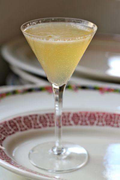 French blonde cocktail- elderflower liqueur, dry gin, White Lillet, grapefruit juice..