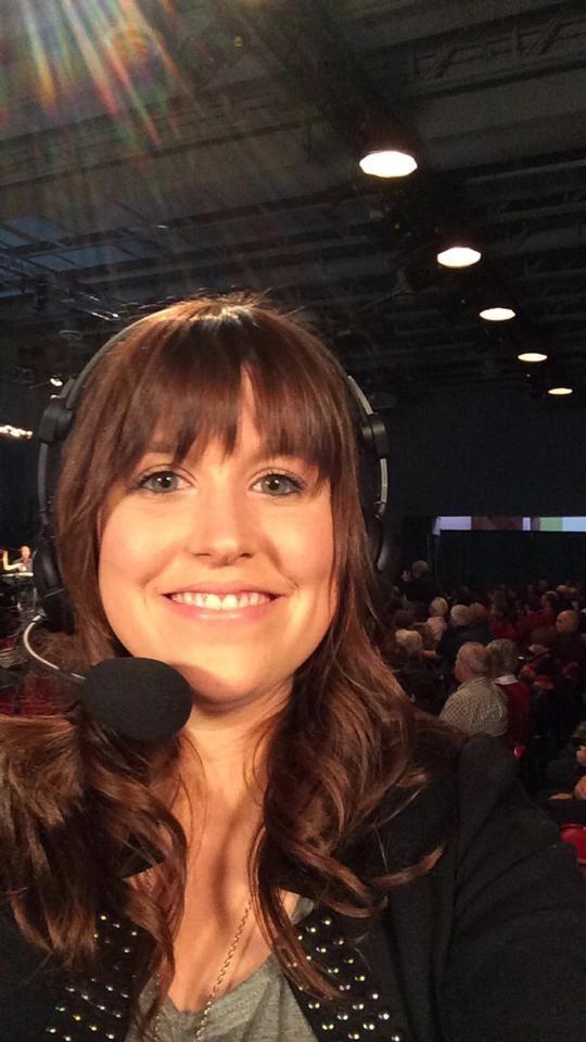 Vers 15h25 je serai en entrevue télé à radio-canada Acadie en compagnie de Martine Blanchard en direct du radiothon de l'Arbre de l'Espoir! Donnez généreusement!!!