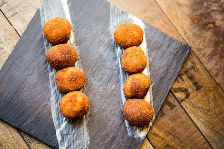 Croquetas de jamón y boletus en La Senda de Xiquena, Restaurante Madrid centro