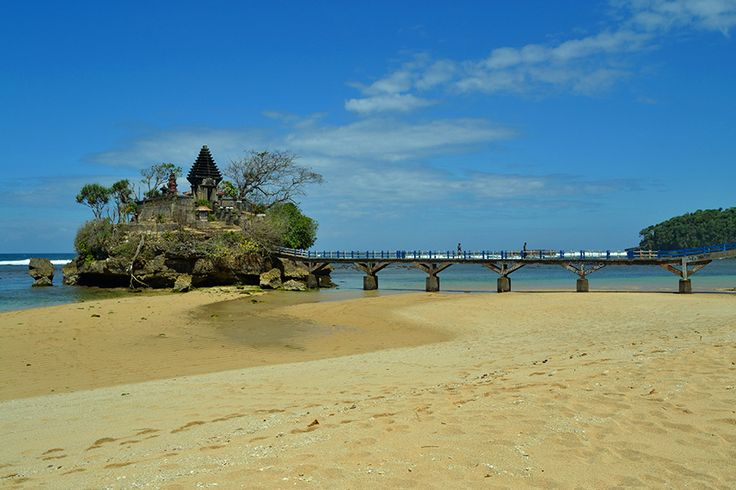 Balaikambang beach is located in the province of East Java