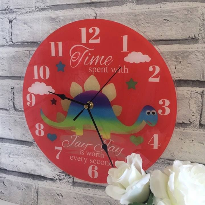 Our personalised clocks have the 'WOW' factor and are even more stunning in real life! Clocks are Approx 30cm x 30cm diameter, with a working clock mechanism and antique style hands, printed onto a 3mm acrylic, using top of the range photo printers to ensure maximum photo quality. (Clocks take one AA battery, battery not included)