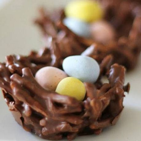 How cute are these chocolate egg nest cookies they will be great to make for Easter or that spring time treat , children may even like to help makes these