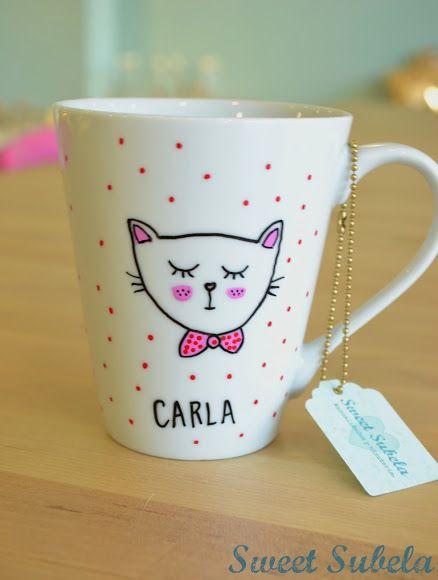 Taza personalizada y zapatillas para Carla