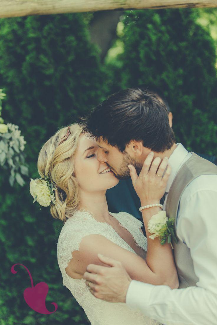 Truth & Tales - Real wedding - wedding photography - Niagara - Bride - groom - portraits - www.truthandtalesstudio.com
