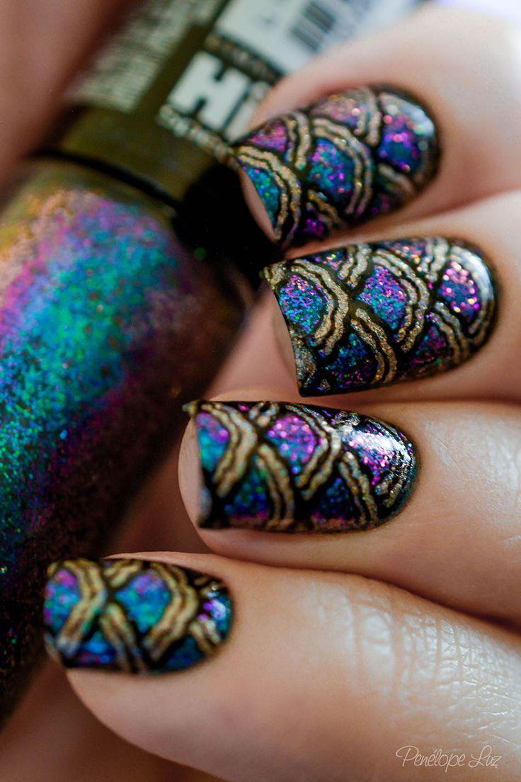 pretty blue and purple holographic with scale design such a pretty and unique nail design!