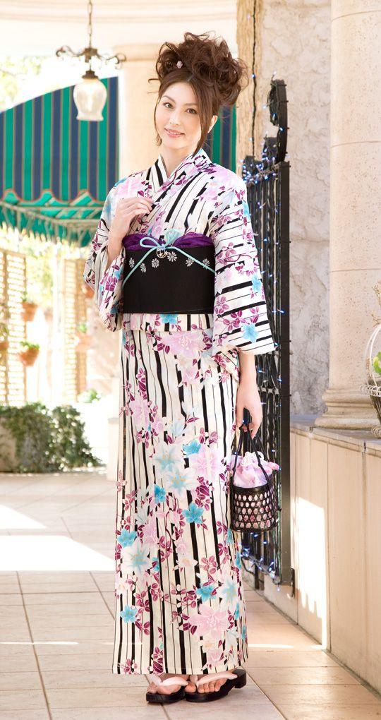 Another dressed up style yukata for Sakura+Nicole.