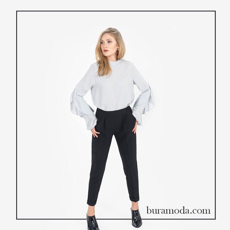Merhabalar; güzel günler...  İRONİ JOGGER PANTOLON  #moda #trend #tasarım #stil #sezon #yenisezon #pantolon #pantolonmodası #kadıngiyim #fırsat #indirim #kampanya