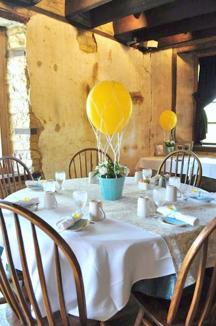 hot air balloon centerpiece via the sweet survival: Balloons Centerpieces, Balloon Centerpieces, Neutral Baby, Birthday Parties, Baby Shower Centerpieces, Gender Neutral, Hot Air Balloons, Sweets Survival, Diy Centerpieces