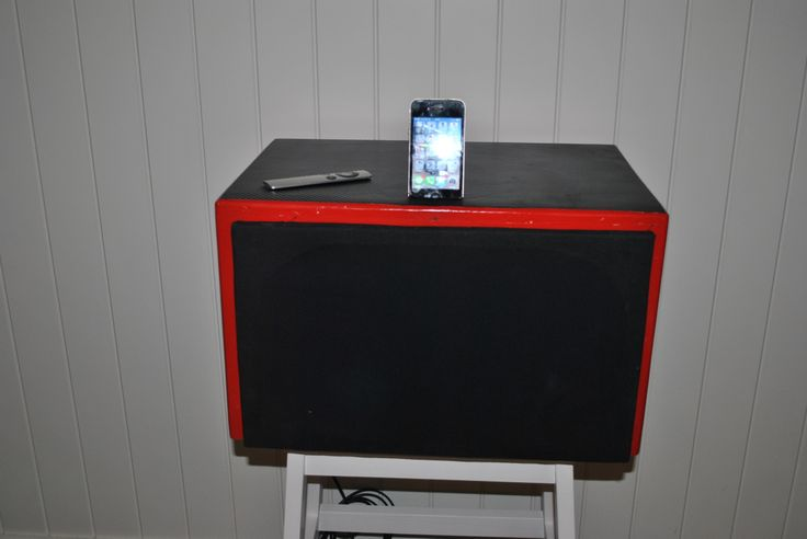 Diy iPhone Dock. Made from 2.1 pc speakers. With remote