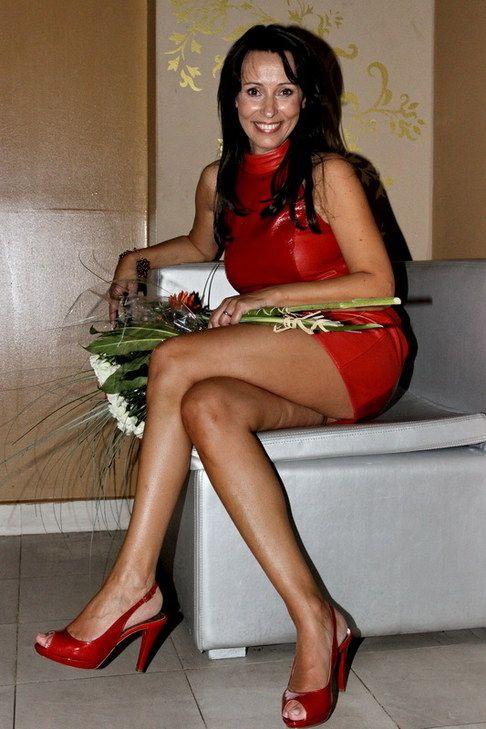 Heidi Janku's Feet << wikiFeet
