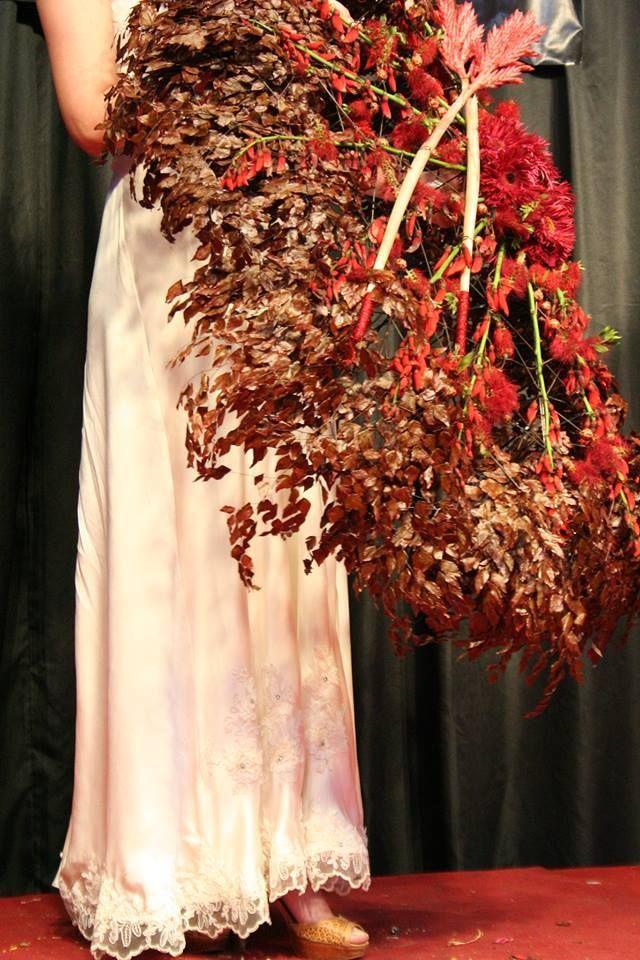 Араик Галстян (Москва)  Floral designer Araik Galstyan (Moscow) Araik Galstyan Moscow International Floral Design School Skolkovo http://araikgalstyan.com/