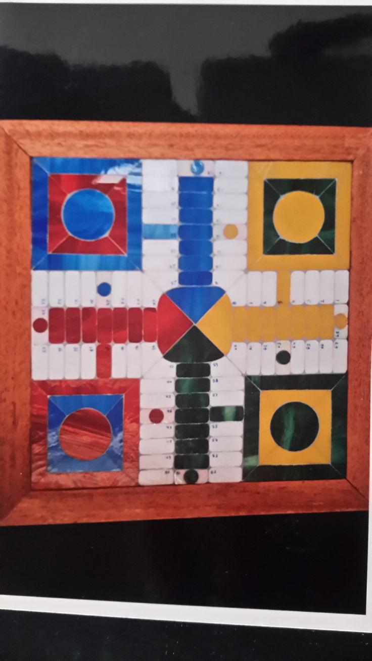 Parchís de mosaico con vidrio