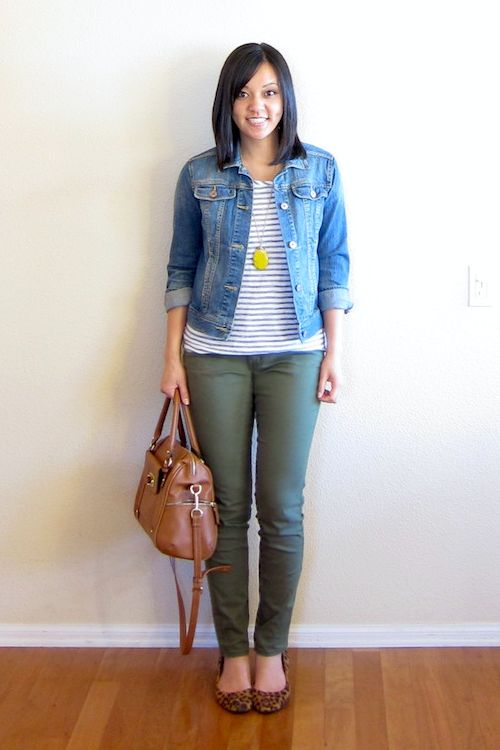 Olive skinnies - cute.  Jean jacket - I don't always love them but I like the way this fits her.  I'd want one like this.