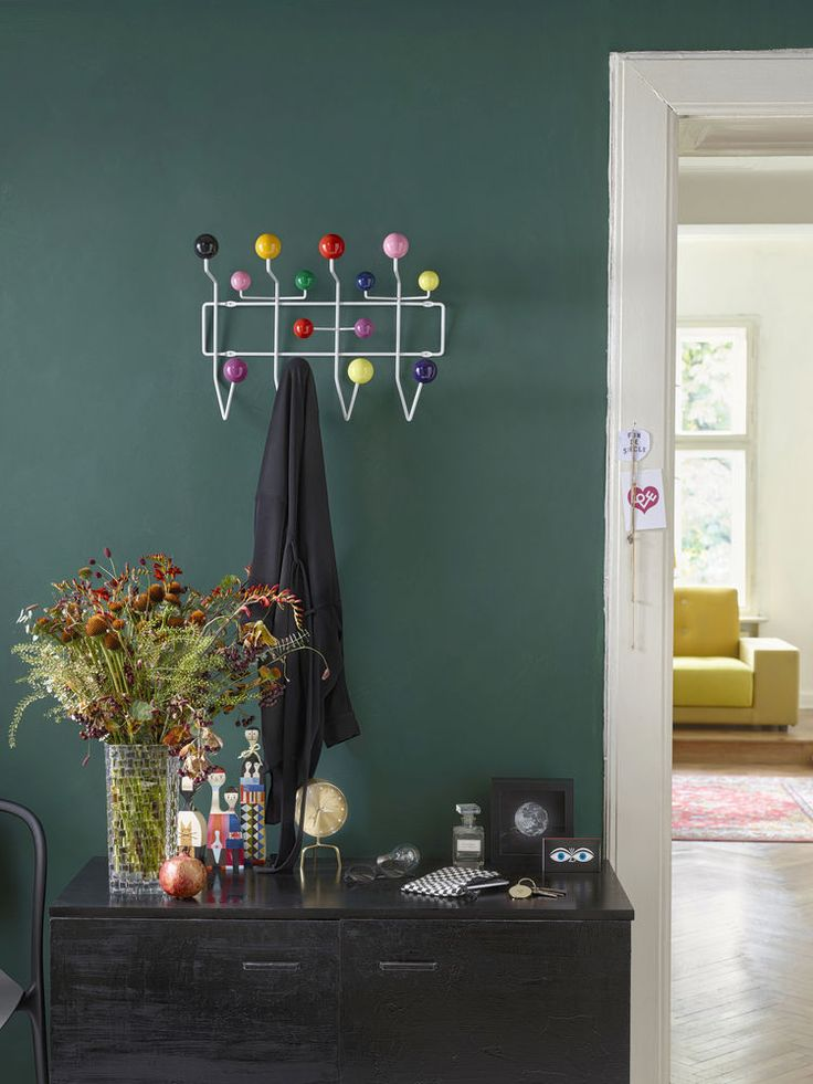 Eames Hang it all Garderobe - Top 10 Designklassiker von Design Bestseller