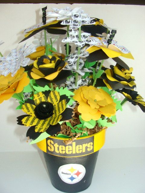 Pittsburgh Steelers Bouquet http://pinterest.com/hamptoninnmonro/ #hamptoninnmonroeville http://www.facebook.com/#!/HamptonInnMonroeville