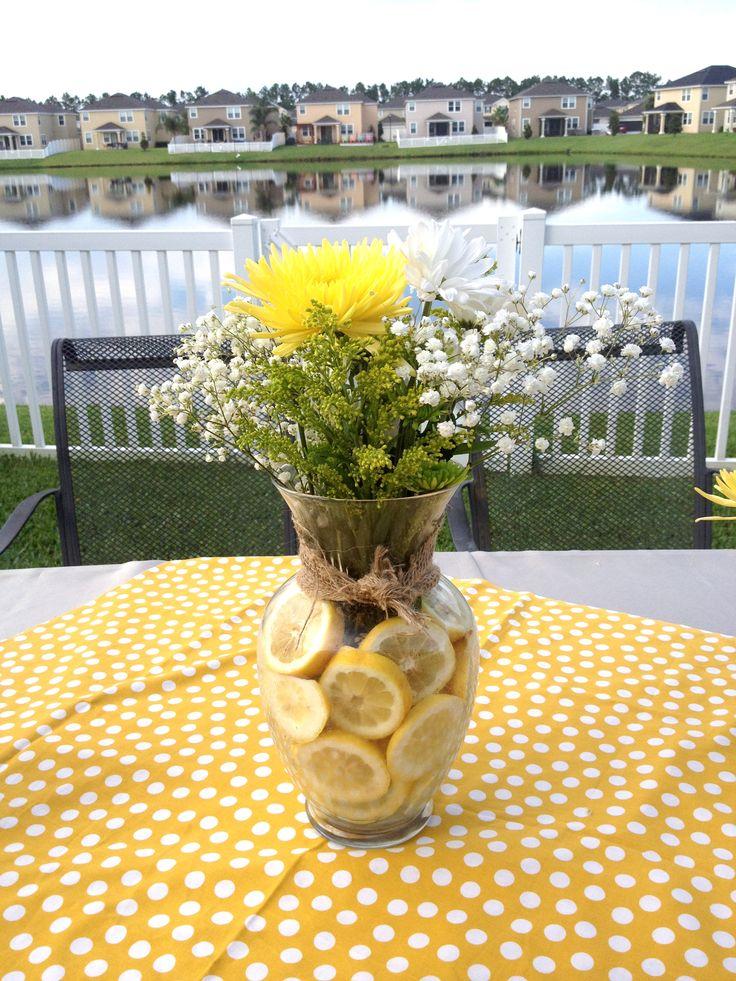 Lemons As Vase Filler In Flower Arrangements Use A Large