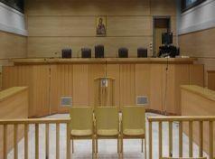 nemeapress: Συνεχίζουν την πανελλαδική αποχή οι δικηγόροι