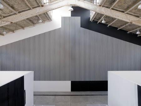 "Daniel Buren in ""One Colour"" in Galleria Continua Beijing, 2007. Photo by Oak Taylor-Smith."