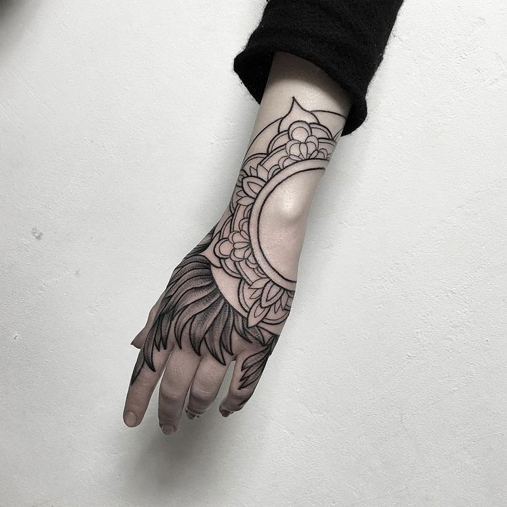 Parvick Faramarz blackwork tattoos12