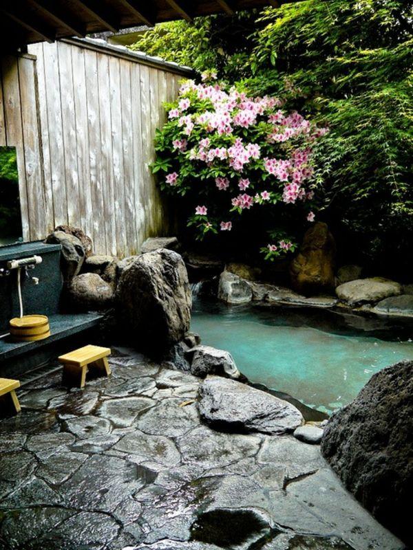 Les 25 meilleures id es de la cat gorie fontaines d 39 eau for Bac a poisson jardiland
