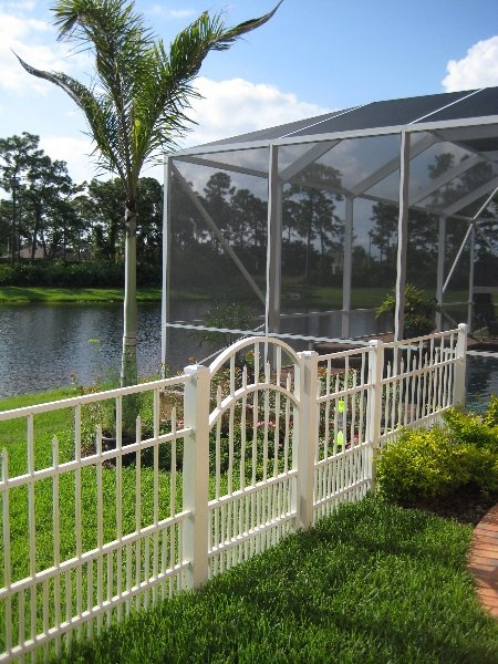 Attractive Fencing Options For Waterfront White Aluminum
