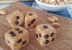 Aprenda a preparar a receita de Festa Junina: dadinho de amendoim é fit. Aprenda a fazer