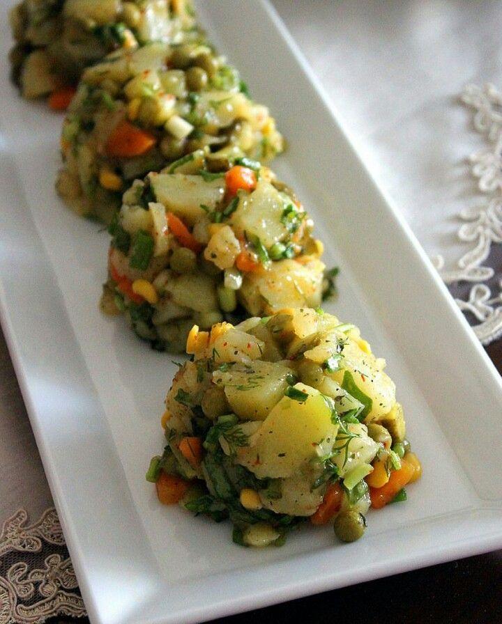 Bezelyeli patates salatası