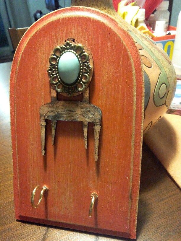 Pota llaves en madera estilo vintage