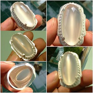 Chalcedony White Raflesia Cat Eye Bengkulu