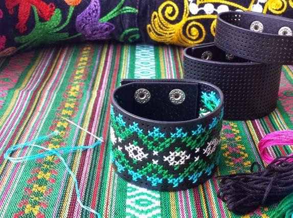 DIY Embroidery bracelet. Link to webshop. By Handwerkjuffie.