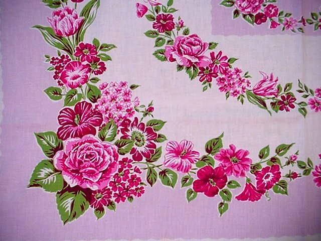 Vintage PINK ROSES Flowers CLASSIC COTTAGE Tablecloth Shabby STARTEX Floral  CHIC