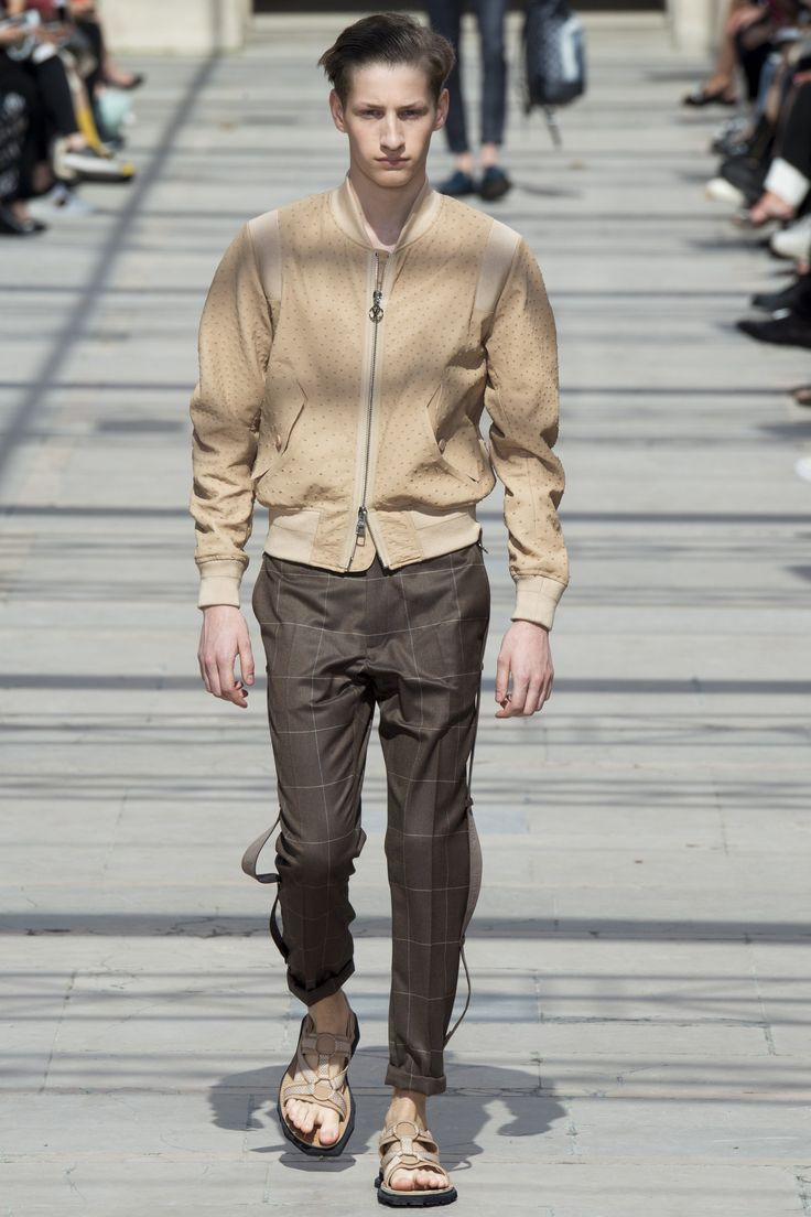 Another cool link is lgexoticcartransport.com  Louis Vuitton Spring 2017 Menswear Collection Photos - Vogue