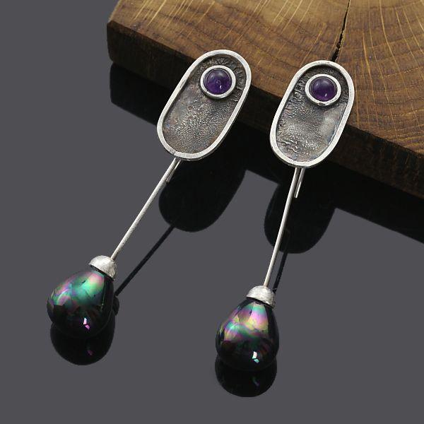 WIECZORNE KROPLE- srebrne kolczyki z perłami od Sztuk Kilka
