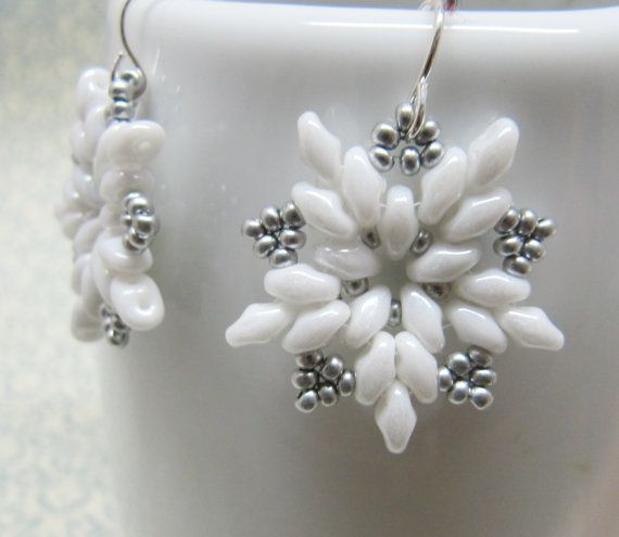"My Starburst Earrings (free pattern here: http://www.aroundthebeadingtable.com/Tutorials/Starburst.html) in ""snowflake"" colors, lovely!"