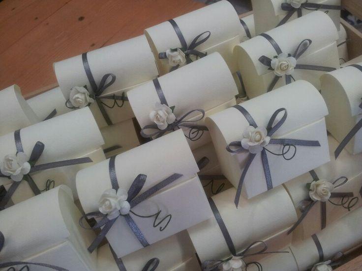 Scatolina portaconfetti #wedding #silver #minibox #paperflower