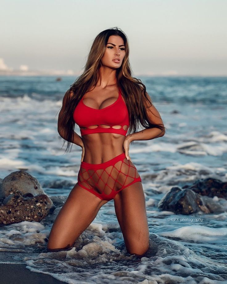 Katelyn Runck Posing In Bikini On The Beach Looking Fit And Toned Panxxx 1