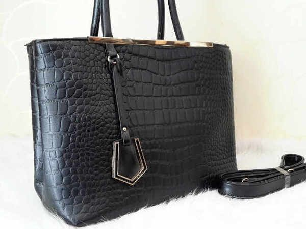 FENDI 668 SUPER sz.31X13X26 BH. KULIT CROCO. IDR 230K. colors: black, beige. cp Risa - 089608608277