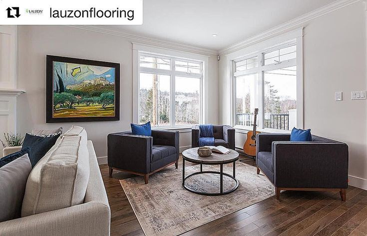 Choose a flooring that adds warmth to cool-toned rooms! This hardwood flooring adds a coziness to this space! #repost [Featured: Organik Hard Maple x @lauzonflooring ]
