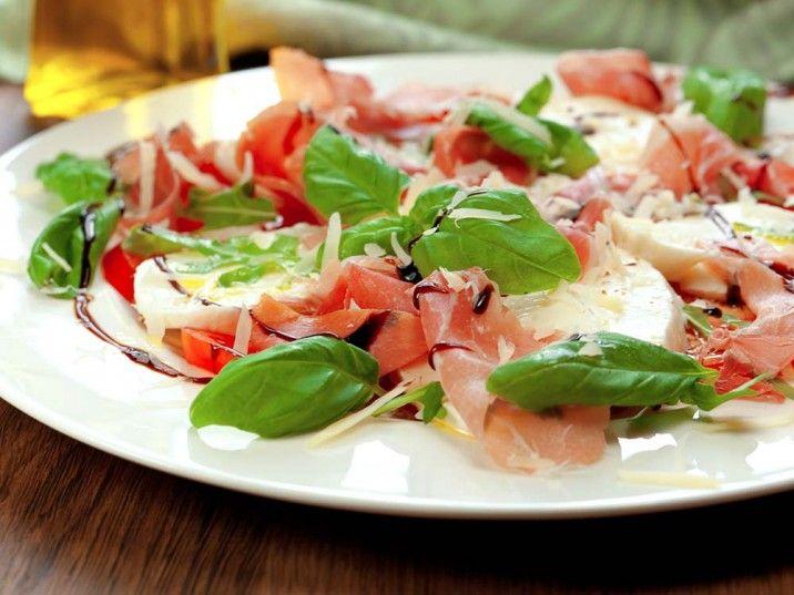 Caprese Salat mit Parmaschinken