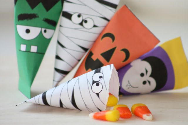 Halloween treat boxes.  One could use any printable for any season.  Would make great lunchbox snack bags, too.