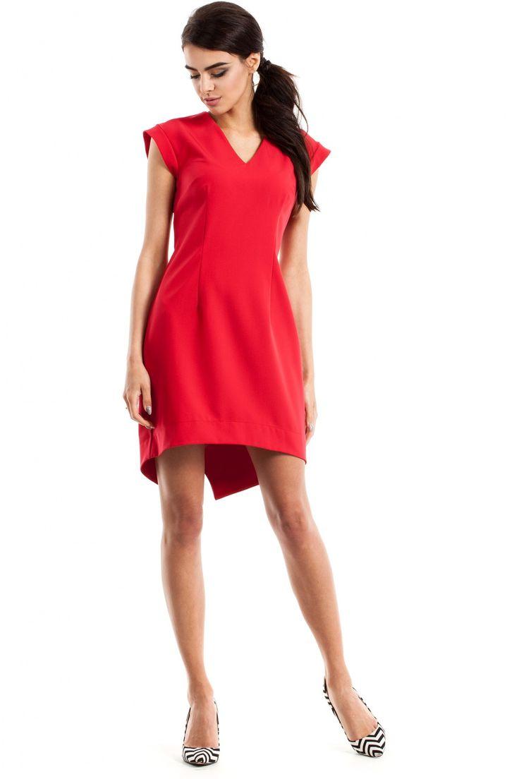 Dopasowana mini sukienka z krótkim rękawami i dekoltem. Przód krótszy, tył dłuższy, smokingowy. #modadamska #moda #sukienkikoktajlowe #sukienkiletnie #sukienka #suknia #sukienkiwieczorowe #sukienkinawesele #allettante.pl