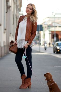 The beautiful blogger Veronica Ferrero wearing her IT SHOES booties!!  http//