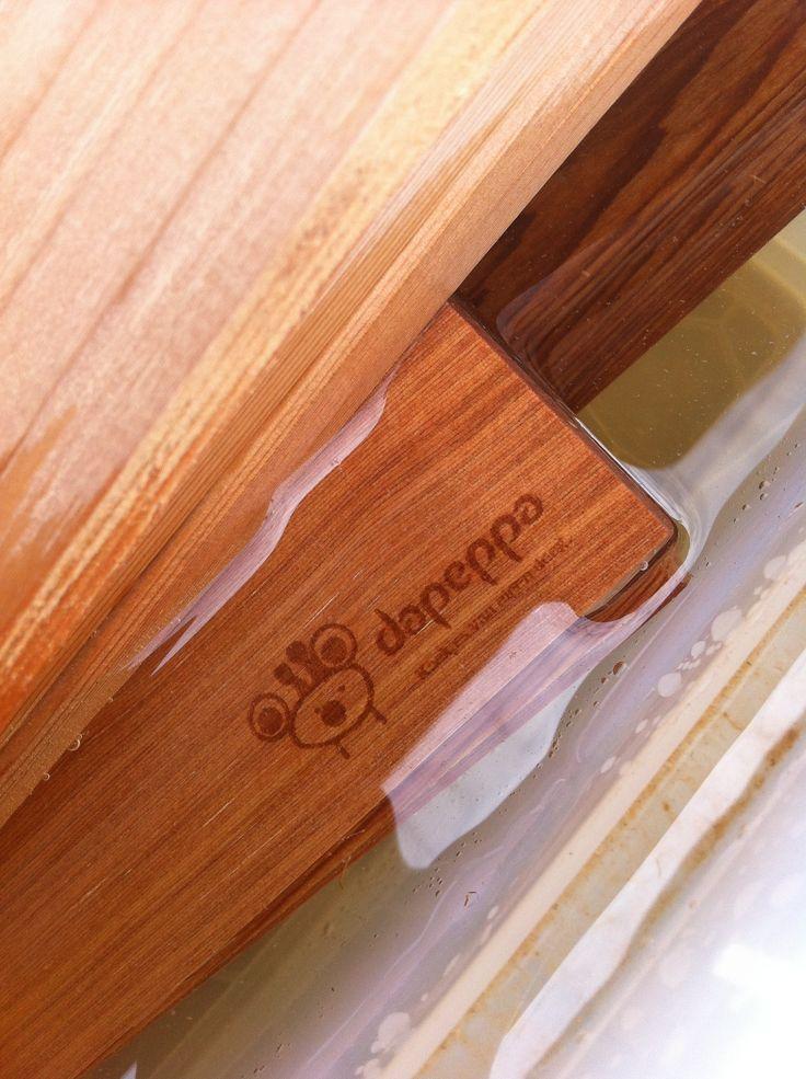 @Dennis van Rijen bereidde zijn roomboterkoek op de bbq op de CedarWood BbqPlanken (met zijn logo)