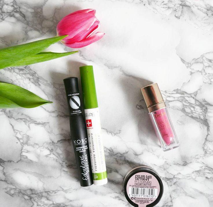 Hej Dzisiejszy zestaw.Pomadka Delia zakupiona w drogerii Endorphine przez mojego chłopaka żałujeże nie mogłam tam być osobiście :( nadal w czasie testów :).Miłego dnia  #newday #cosmetics #makeup #cosmeticsaddict #makijaz #kobo #mascara #maybelline  #eveline #delia #matowapomadka #flower #tulip #wiosna #wiosennymakijaz @delia_cosmetics_official @drogeria_endorphine @evelinecosmetics @beautybloggers.pl @blogujemy_o_kosmetykach