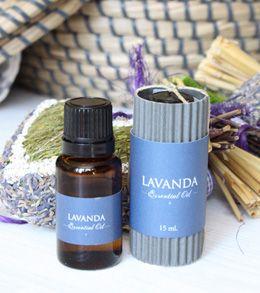 Aceite esencial de Lavanda. Calma la ansiedad y ayuda a conciliar el sueño.
