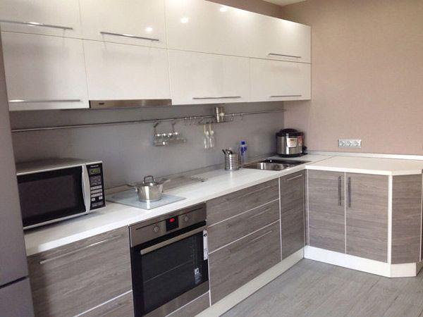 Кухня угловая бело-серая