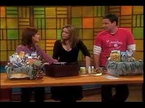 ▶ Rachael Ray Show - Making Gift Baskets - YouTube