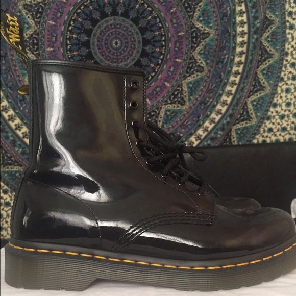 Authentic Doc Martens Black Patent (Women's 9) Authentic Black Patent Doc Martens! Women's Size 9. Worn a few times, but they are still in good condition. :)  Doc Martens Shoes