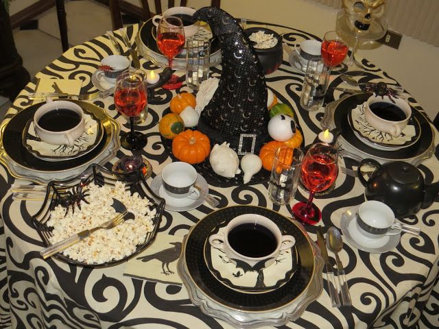 black and white halloween table halloween centerpieces - Halloween Centerpieces
